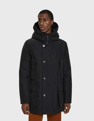 Woolrich GTX Arctic Down Parka in Off Black