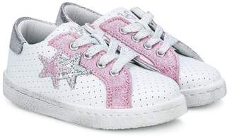 Star Kids 2 star patches sneakers