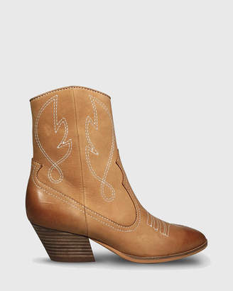 Keith Embroidered Western Style Ankle Boots