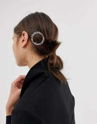 Asos Design DESIGN barrette hair clip in circle shape in pink resin