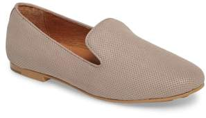 Gentle Souls by Kenneth Cole Eugene Flat