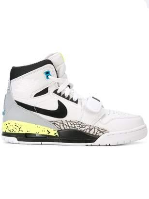 3727388bdb49b0 at Farfetch · Nike Jordan Legacy 312 sneakers