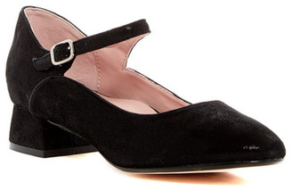 Taryn Rose Finetic Mary Jane Pump $200 thestylecure.com