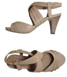 Julie Dee Platform sandals