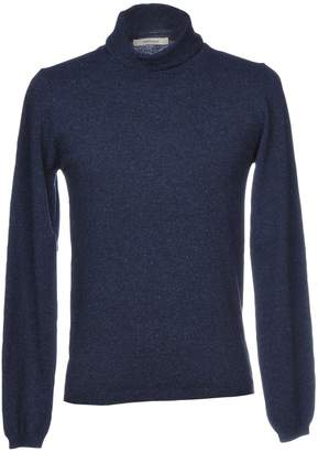 Co WOOL & Turtlenecks