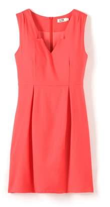 Molly Bracken Sleeveless Fitted Dress