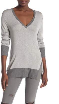 Sen Essence Two-Tone V-Neck Sweater