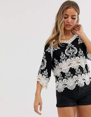 New Look crochet 3/4 sleeve top