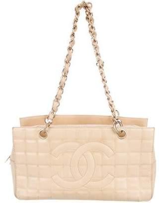 Chanel Chocolate Bar Shoulder bag