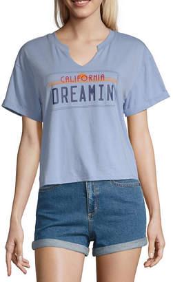 Cut And Paste Womens Split Crew Neck Short Sleeve Graphic T-Shirt-Juniors