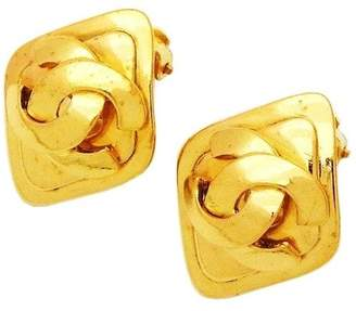 Chanel CC Logo Gold Tone Metal Rhombus Earrings Gold CC Logo