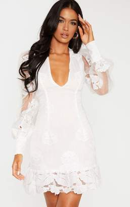 PrettyLittleThing White Lace Floral Plunge Bodycon Dress