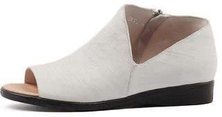 Django & Juliette New Reeva Womens Shoes Casual Shoes Flat