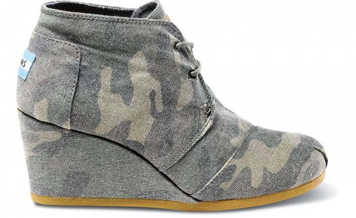 Camo Washed canvas women's desert wedges