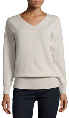 Neiman Marcus Cashmere Collection Long-Sleeve V-Neck Relaxed-Fit Cashmere Sweater $295 thestylecure.com