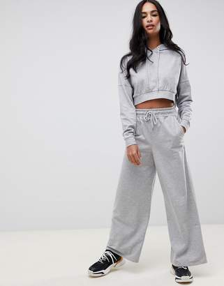 5d31aafb570 Asos Design DESIGN tracksuit cropped hoodie / basic wide leg jogger