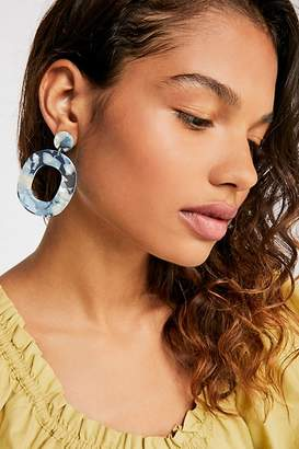The Endless Summer Zhuu Lucy Resin Hoop Earrings