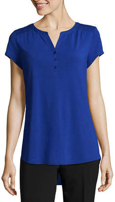 Liz Claiborne Short Sleeve Smocked Shoulder Henley T-Shirt