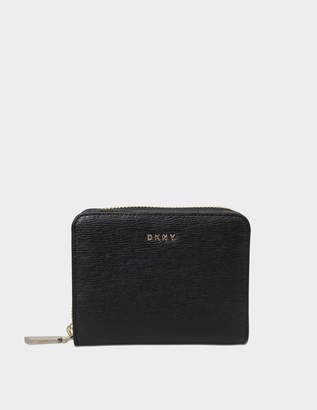 DKNY Sutton small carryall wallet