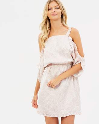 Atmos & Here ICONIC EXCLUSIVE - Desiree Off-Shoulder Dress