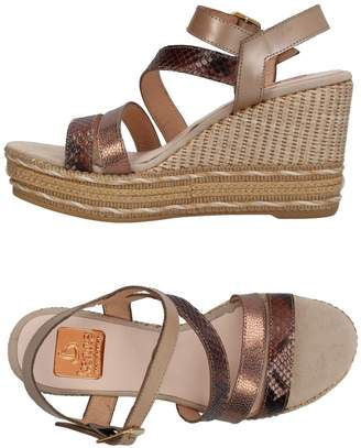 Kanna Sandals - Item 11405562