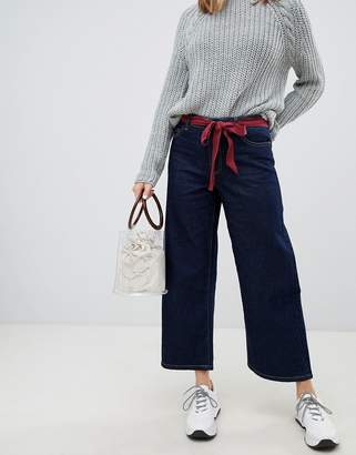 Only wide leg jean with tie belt