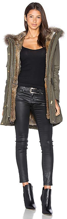 winter-coat-guide-parka-SAM.-fur-lined