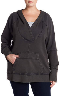 Melrose and Market Crossover Fleece Pullover Hoodie (Plus Size)