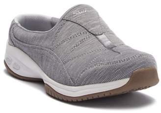 Skechers Commute Carpool Slip-On Sneaker
