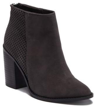 6edd757c0e1 Grey Suede Boots Steve Madden - ShopStyle