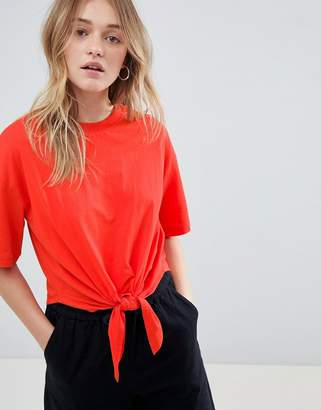 Monki Knot Front Cropped Tee