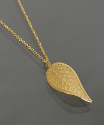 Lisa K gold 'Tea Leaf' pendant necklace