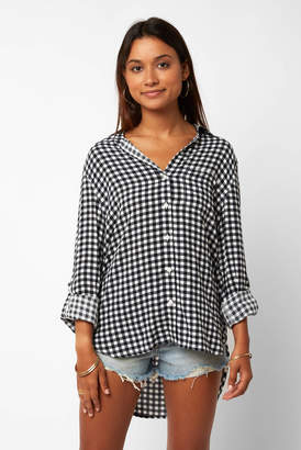 Velvet Heart Gingham Hi-Lo Long Sleeve Button Down Shirt
