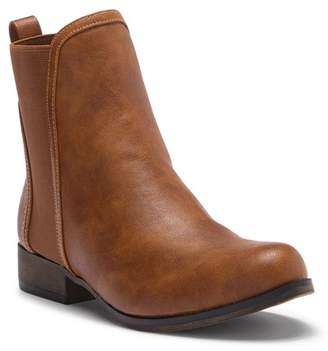 Chase & Chloe Mid-Top Chelsea Boot