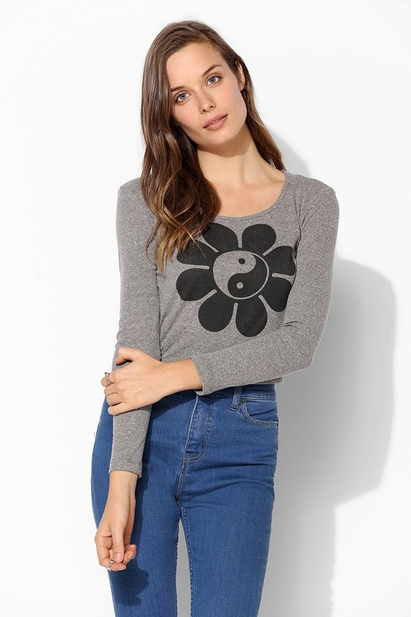 Truly Madly Deeply Scoop Yin Yang Cropped Tee