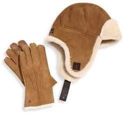 UGG Men's Two-Piece Shearling Sheepskin Hat and Smart Leather Gloves Set - Chestnut - Size Medium