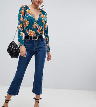 Missguided cropped flare jeans in blue