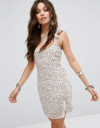 Honey Punch Slip Dress With Lace Trim Split In Ditsy Floral