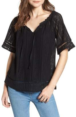 Hinge Lace Open Sleeve Top