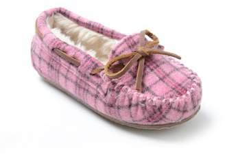 Minnetonka 'Cassie' Slipper