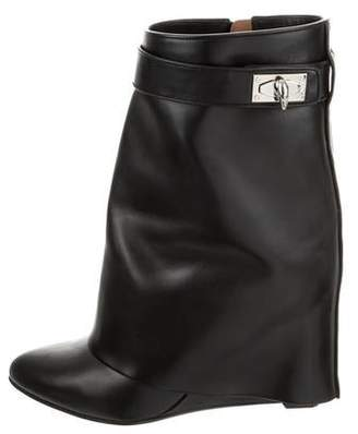 344660652 Givenchy Leather Shark-Lock Boots