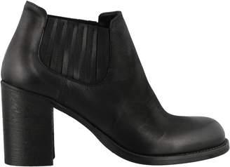 Strategia Boston Vittoria Ankle Boots