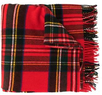 64e9560366124 we11done oversized plaid scarf
