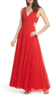Fame & Partners Pleated Maxi Dress