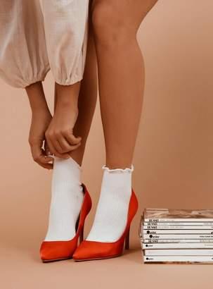 Ribbed Ruffle Socks White