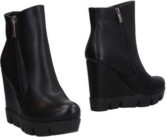 SEXY WOMAN Ankle boots - Item 11470325CS