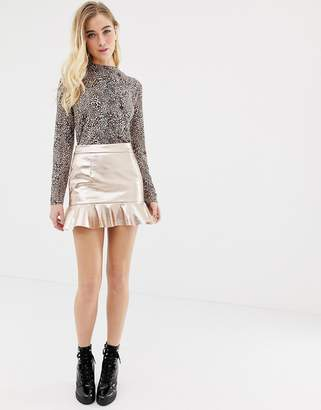 Glamorous metallic skirt with pep hem