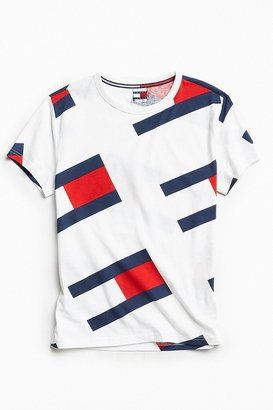 Tommy Jeans Tommy Hilfiger '90s Flag Tee $50 thestylecure.com
