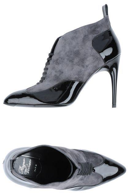 Roger Vivier Shoe boots