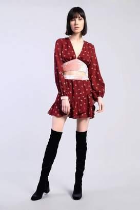 Glamorous Petites **Wrap Ditsy Skirt by Petite
